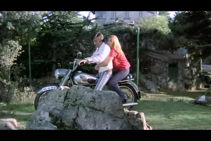 فلم الرعب الحرباء Las Garras de Loreley 1974 من ترجمتي ورفعي Garras13
