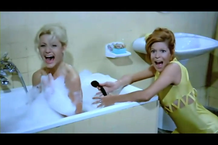 فلم الرعب الحرباء Las Garras de Loreley 1974 من ترجمتي ورفعي Garras55